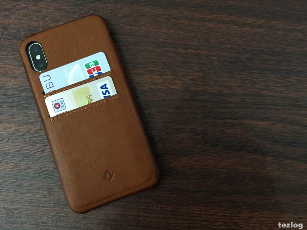 カードが2枚入る本革iPhone Xケース Twelve South Relaxed Leather for iPhoneX カードを2枚入れた