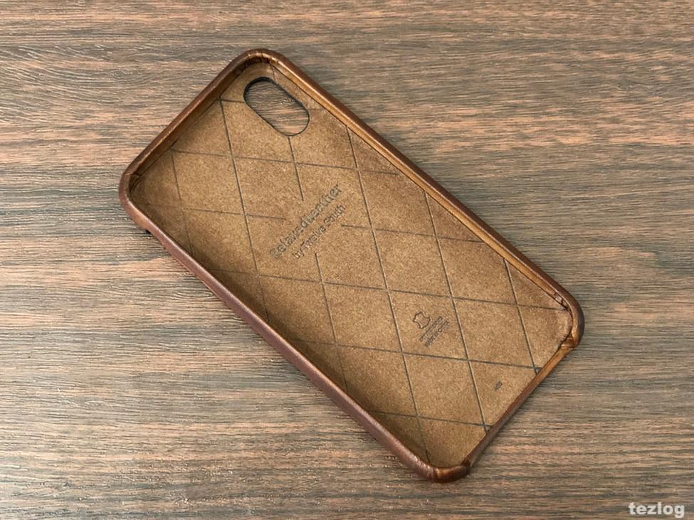 カードが2枚入る本革iPhone Xケース Twelve South Relaxed Leather for iPhoneX 中