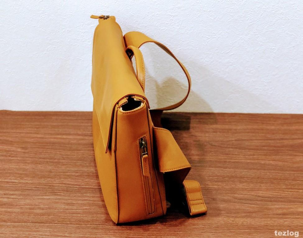 MOTHERHOUSE Zadan Messengerバッグを真横から見た画像