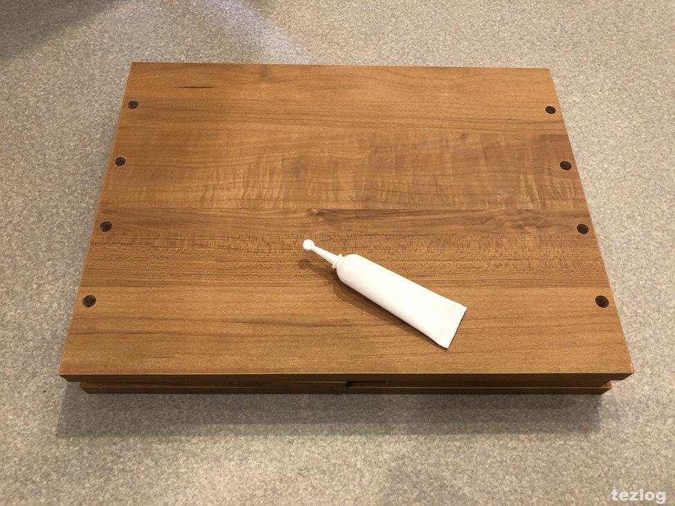 積んでボックスの部品と同梱の木工用ボンド