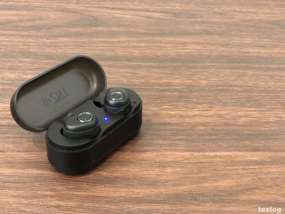 ZNT 完全ワイヤレスイヤホン AirFits 本体と充電ケース