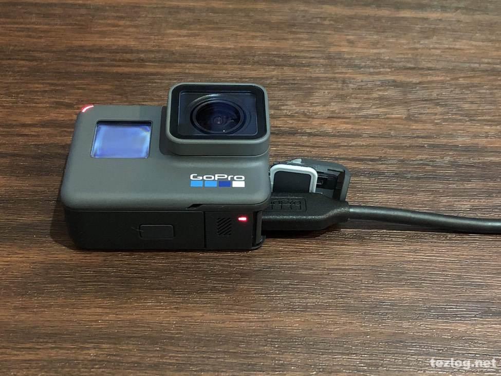 GoPro Hero6 充電中