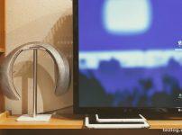 Bose Soundwear Companionをヘッドフォンスタンドにかける