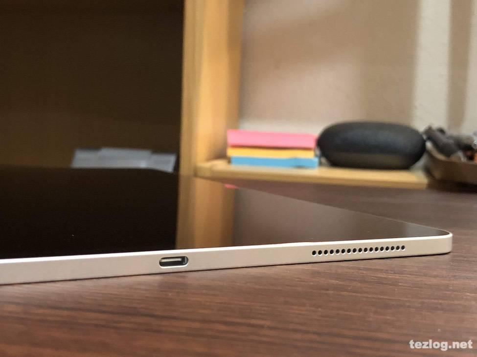 iPad Pro 12.9inti 第3世代 2018モデル 底面スピーカーとUSB-C端子差込口