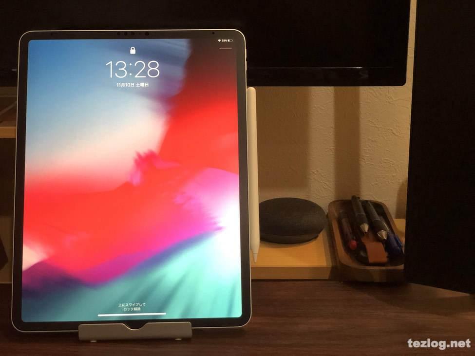 iPad Pro 12.9inti 第3世代 2018モデルとApple Pencil ・ANKERのスマホ・タブレットスタンド