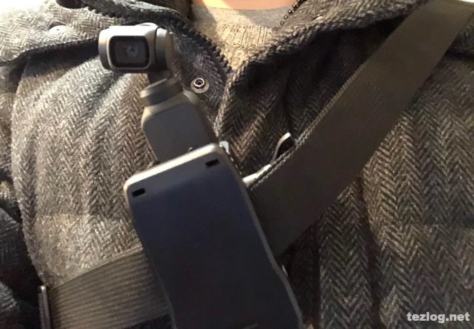 OsmoPocketをクリップでバッグのベルトに装着