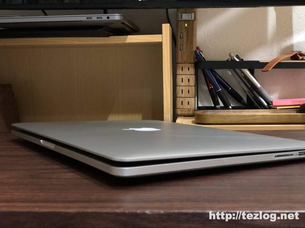 バッテリーが膨張して蓋が閉まらなくなったMacBook Pro 15インチ
