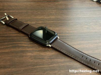 Apple Watch Series 5 に FRESHCLOUD のレザーベルト コーヒーブラウンを装着