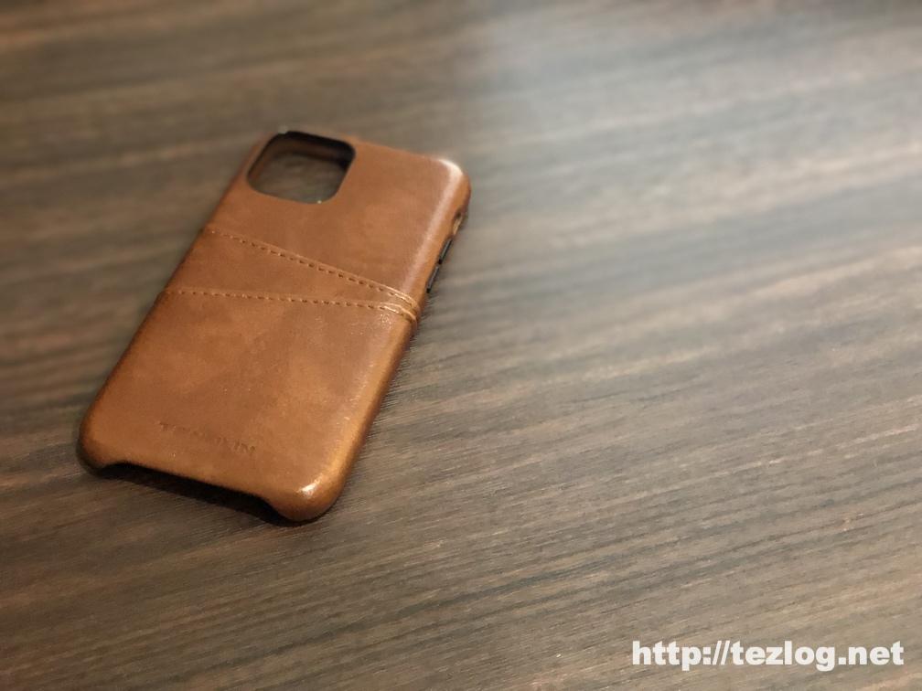 TENDLIN iPhone 11 Pro 用のカード入れ付きレザー調ケース