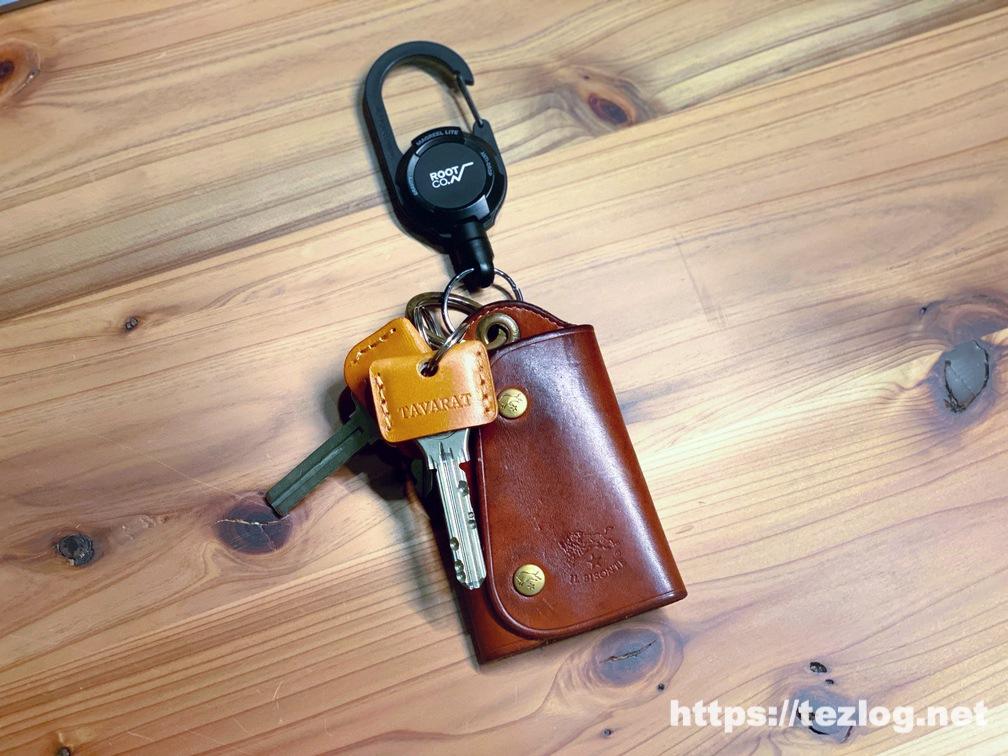 TAVARAT 姫路レザーのキーカバー付きの鍵を付けたイルビゾンテの革のキーケース