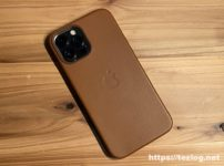 Apple純正レザーケースを付けたiPhone 12 Pro Max