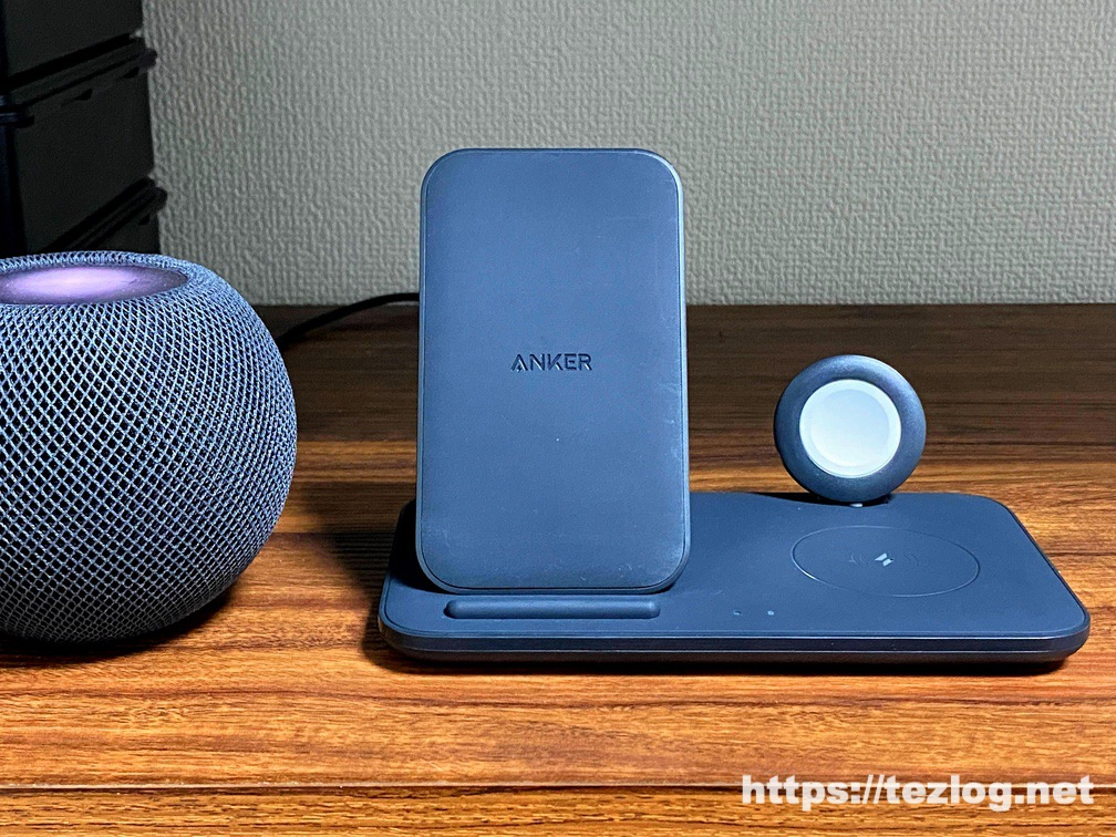 Anker PowerWave+ 3-in-1 stand with Watch Holder ワイヤレス充電器 Apple Watchホルダー付 使用風景