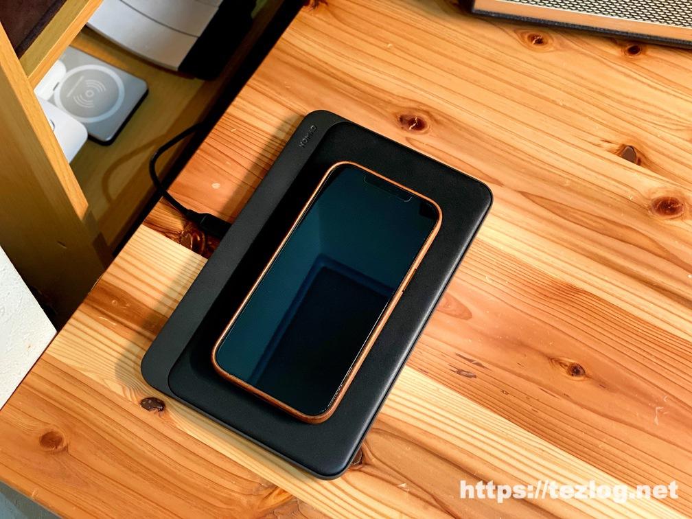 NOMAD Base Station Pro でiPhone 12 Pro Maxをワイヤレス充電