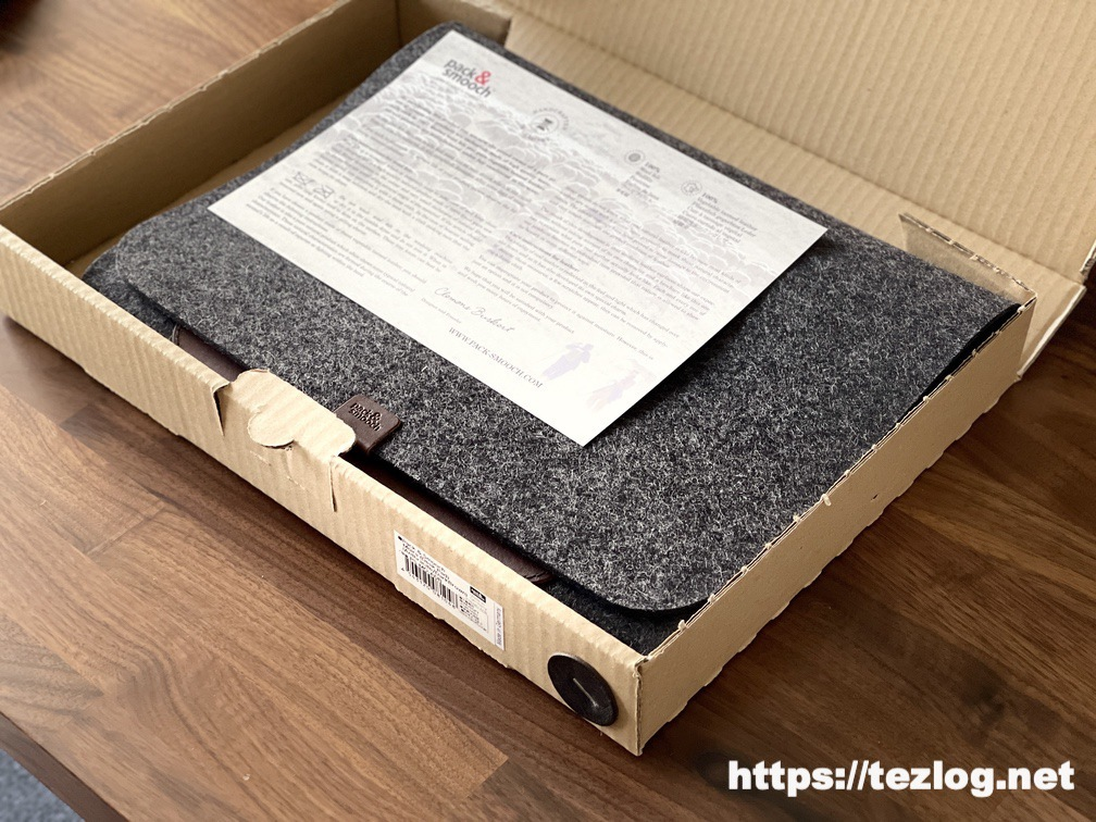 Pack&Smooch マウスパッド付きデスクマット Moira パッケージ開封