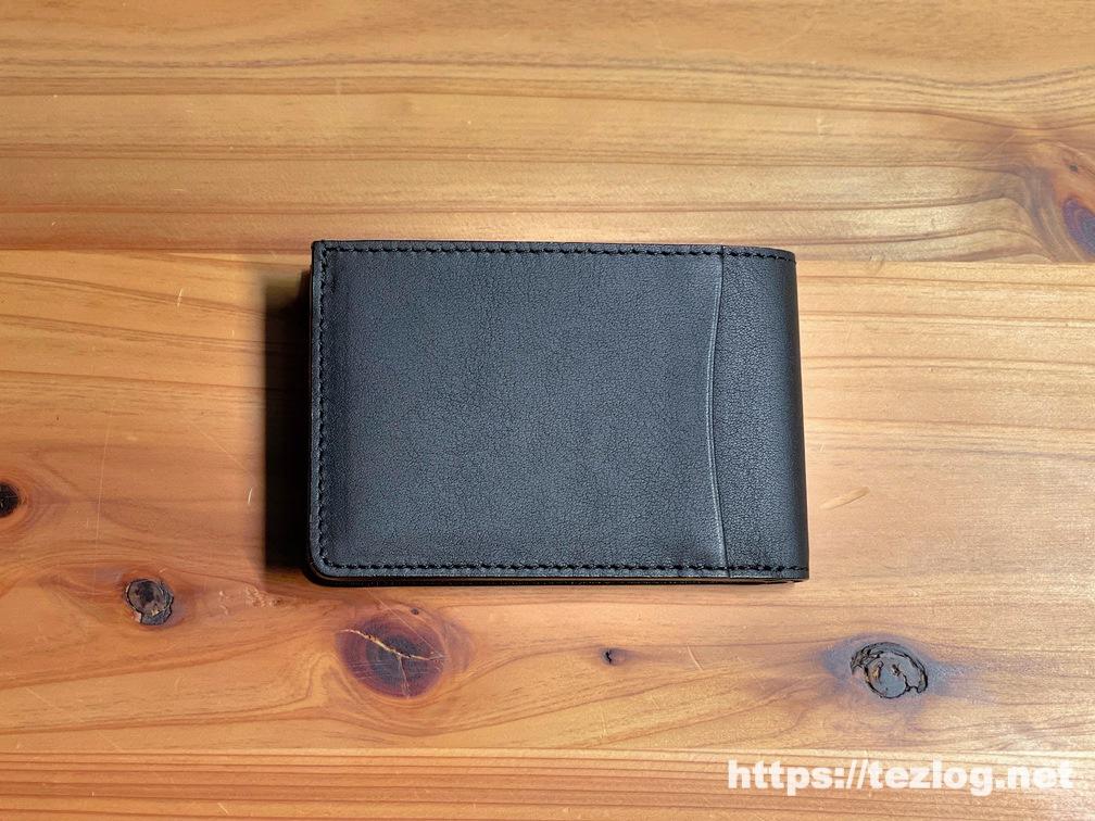 キャッシュレス時代の薄くて小さな革財布 TAVARAT Receca 背面はポケット