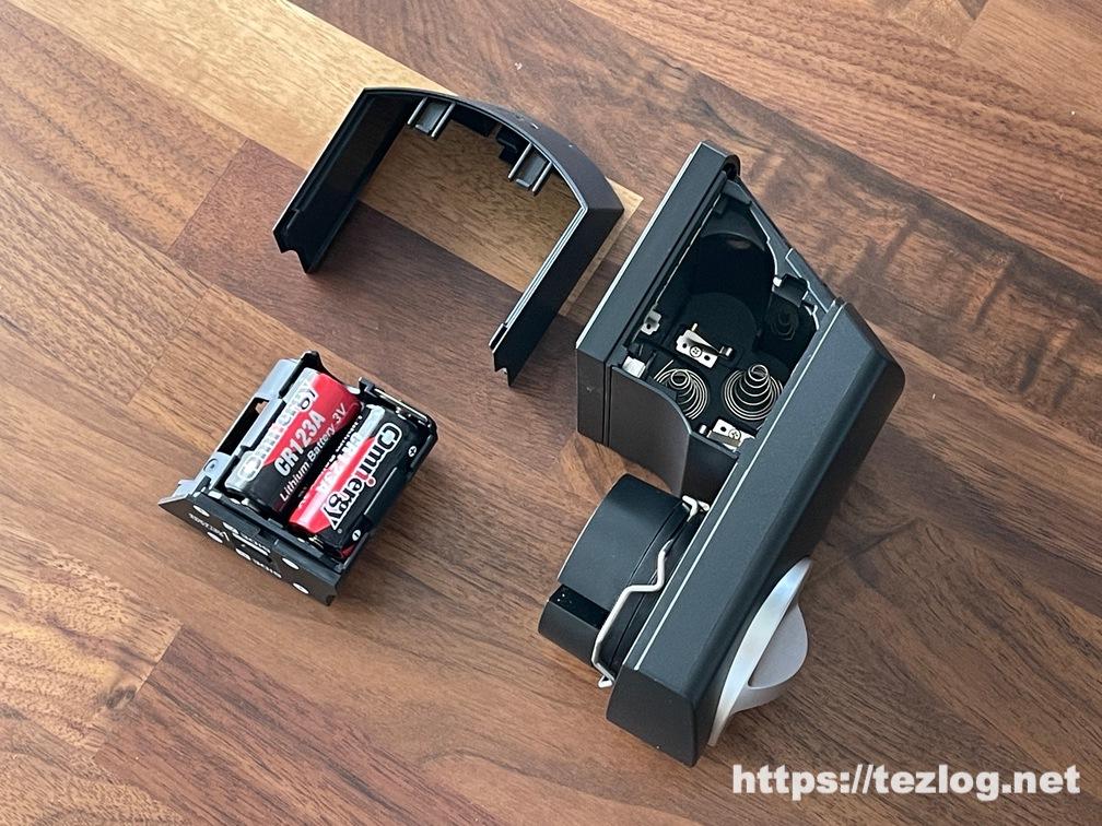 電池ホルダーに付属の電池CR123Aを2個セット