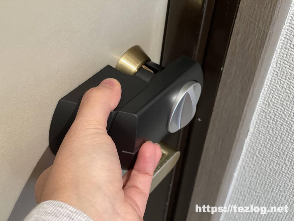 SADIOT LOCKをドアに合うかサイズを確認