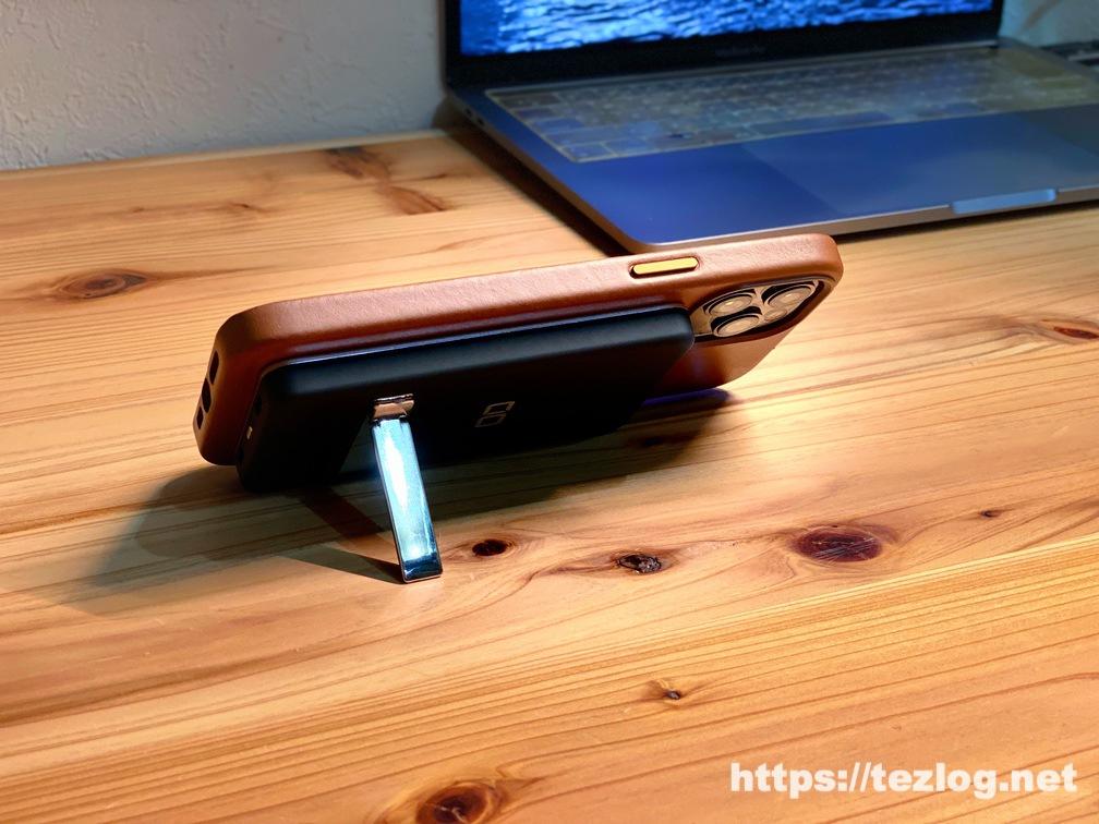 CIO MagSafe対応モバイルバッテリー CIO-MB5000-MAG-BKをiPhone 12 Pro MaxにMagSafeで貼り付けて充電しながらスタンド使用