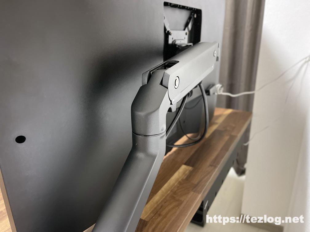 LG 42.5インチ 4K液晶モニター 43UN700Tをエルゴトロン HXデスクモニターアームで設置