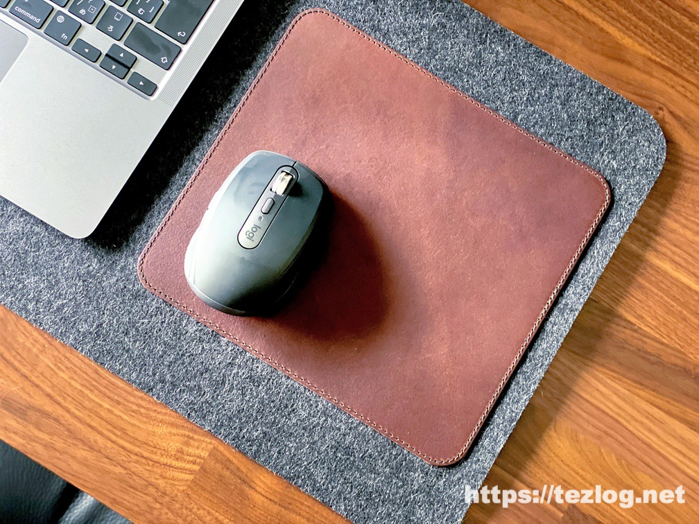 Pack&Smooch マウスパッド付きデスクマット Moira 使用風景 マウスパッドのアップ Logicool MX Anywhere3