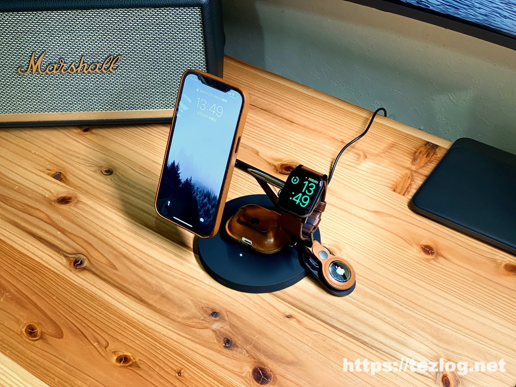 Belkin MagSafe 3-in-1磁気ワイヤレス充電器 WIZ009でiPhone 12 Pro MaxとApple WatchとAirPods Proを3台同時ワイヤレス充電