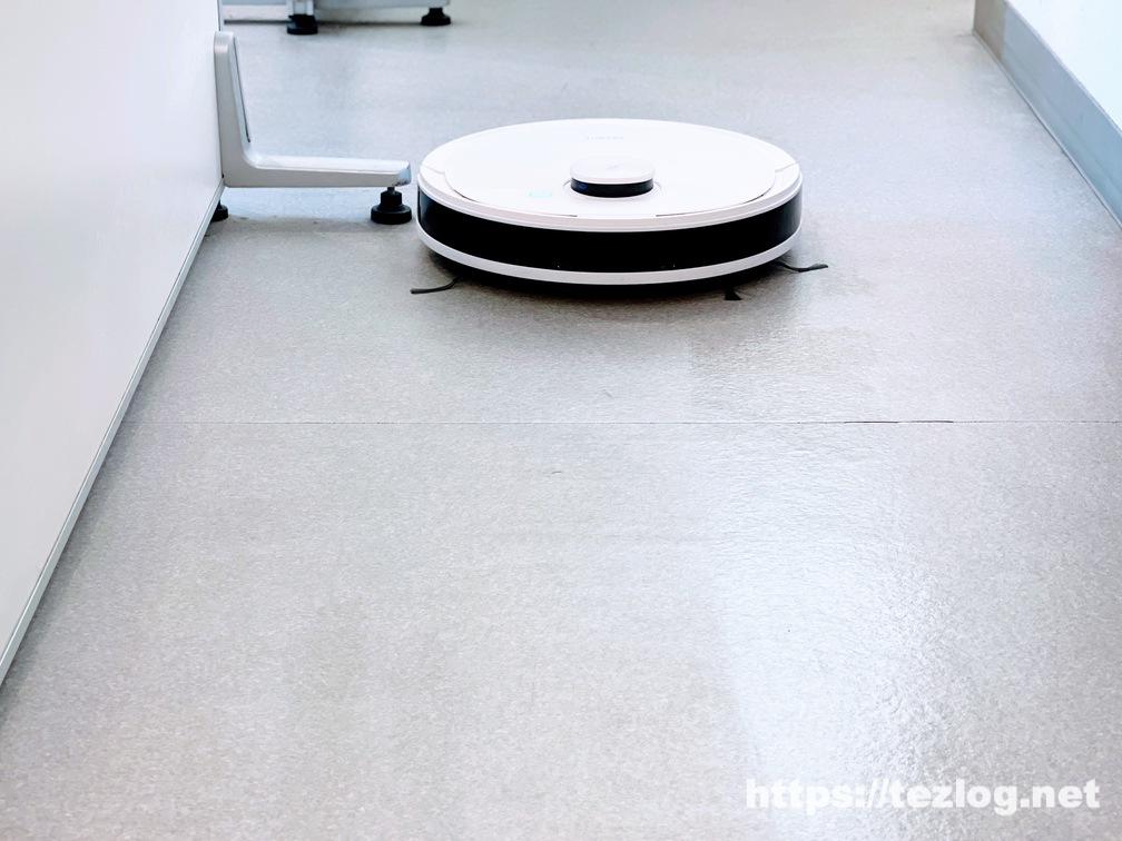 CS ロボット掃除機 DEEBOT N8 PRO+ 使用風景 水拭き