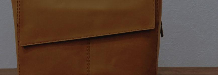 革のバッグ