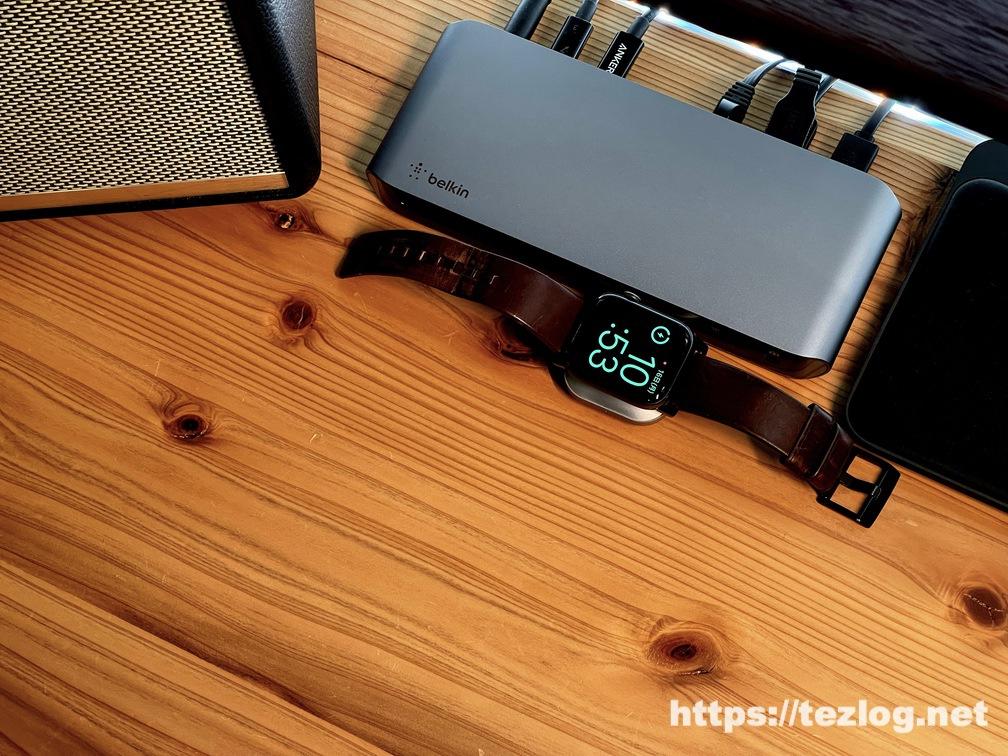 Belkin Thunderbolt 3 Dock ProにSatechi USB-C Apple Watch充電ドックを接続してApple Watchを充電