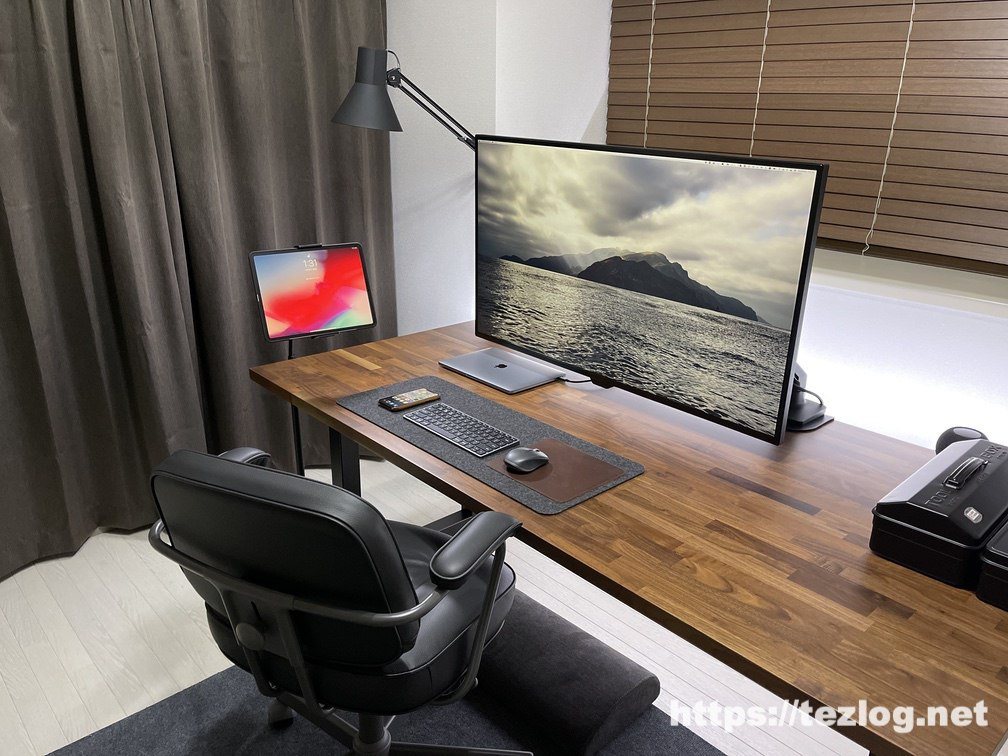 arlook 床置きタブレットスタンド 高さ低めでの使用風景