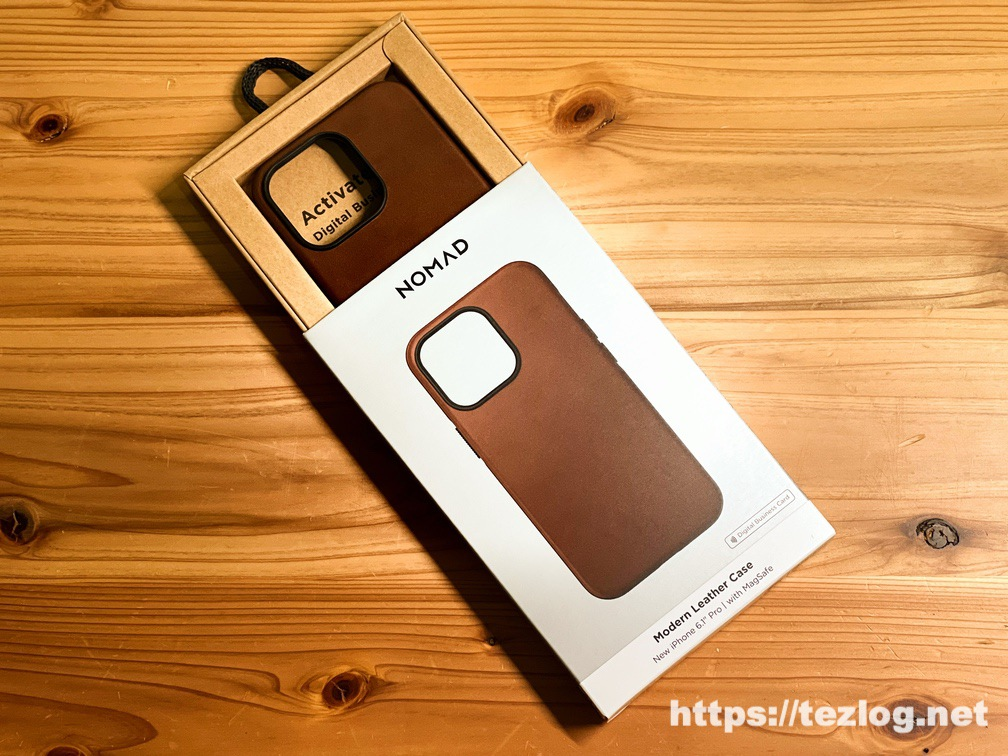 NOMAD Modern Leather Case iPhone 13 Pro Rustic Brown パッケージ開封