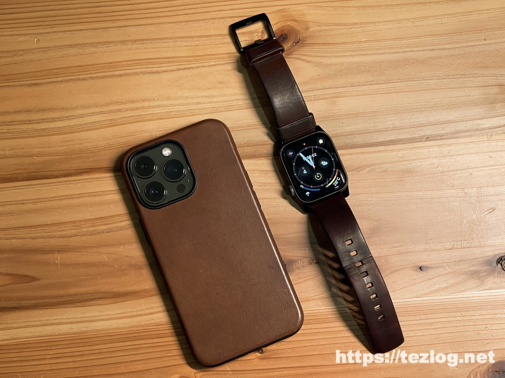 NOMAD Modern Leather Case iPhone 13 Pro Rustic BrownとApple Watch Modern Band Rustic Brown Leather